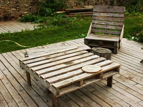 Read more about the article AAP meubles en palettes, jeu. 7 juillet  + dim. 10 juillet à la Verrière 🗓